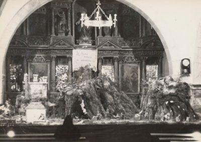 Vista del Belén al entrar en la iglesia en 1977.