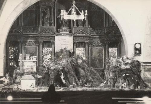 Vista del Belén al entrar en la iglesia
