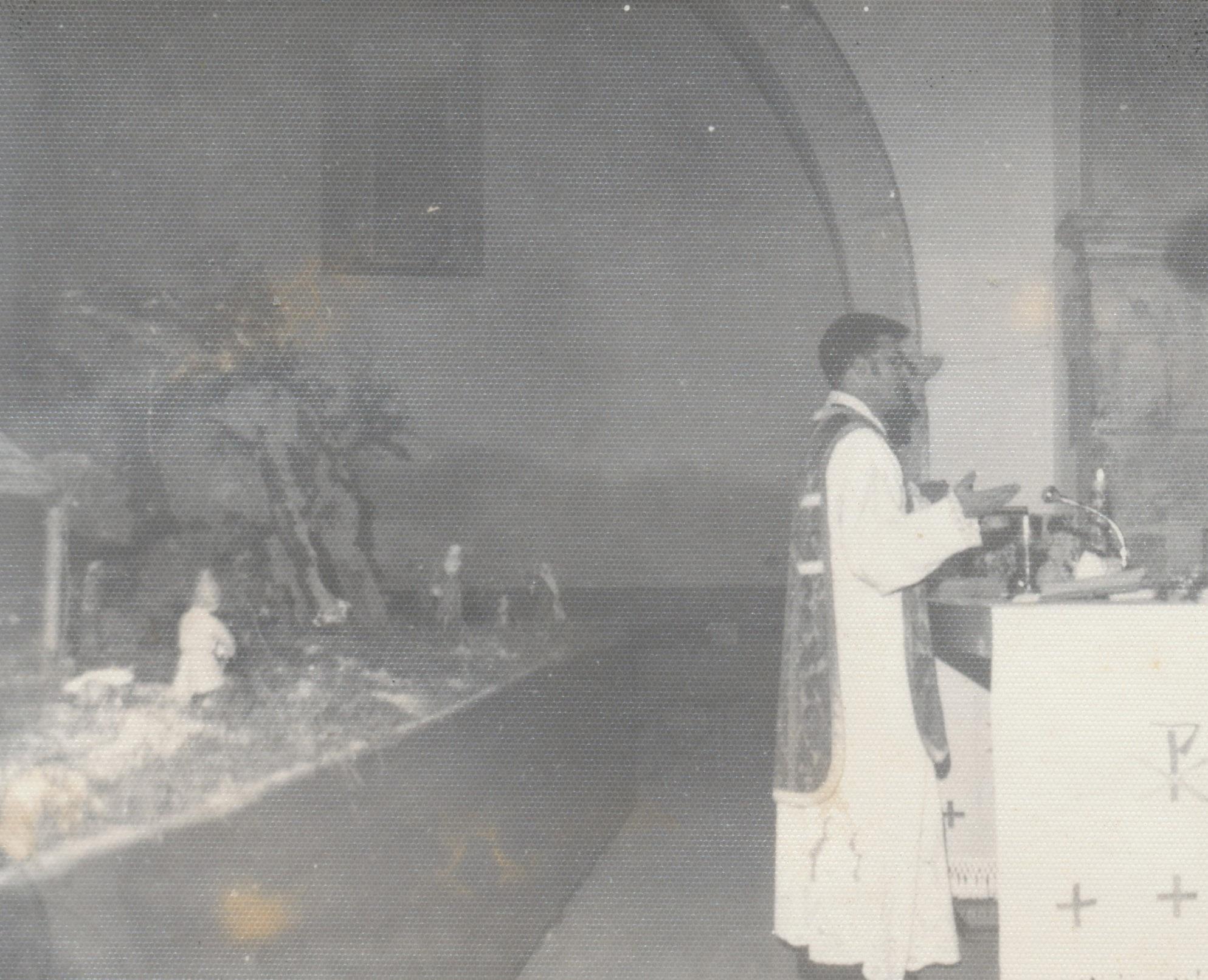 Don Arturo Cabo en misa.