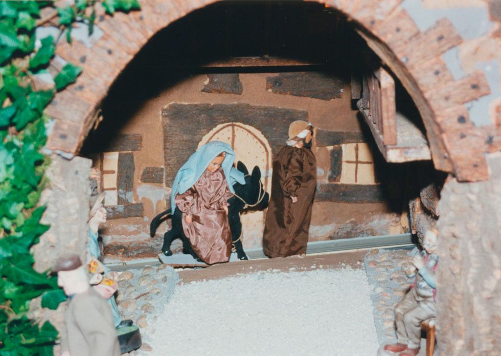 María y José  van camino de Belén.
