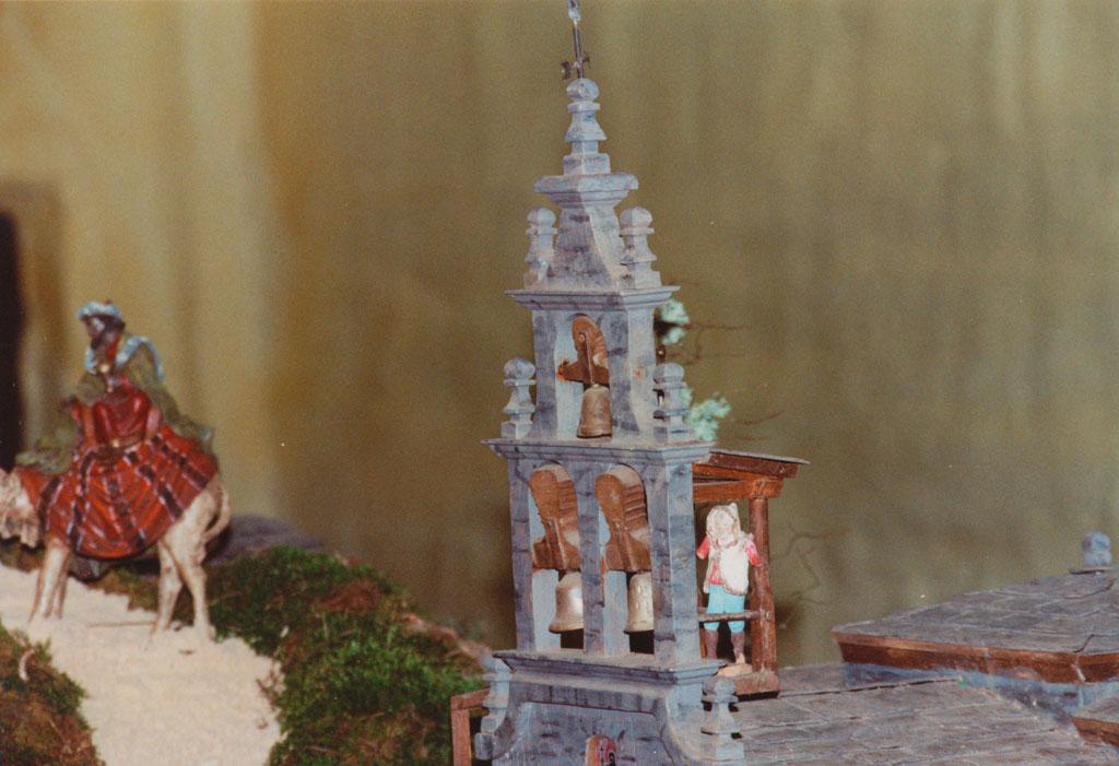 Detalle de la torre la iglesia.