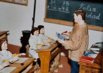 El profesor en la escuela en 2003.