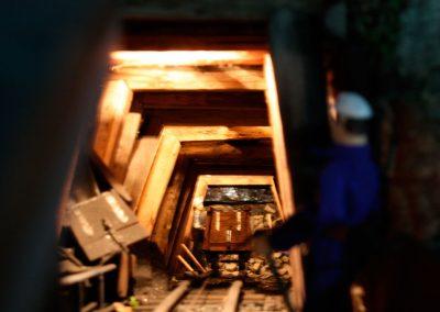 Vagón subiendo y bajando por la galería en 2010.