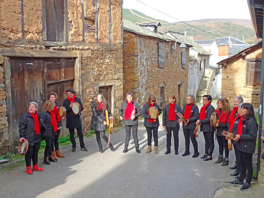 """Grupo """"Valle del Oso""""."""