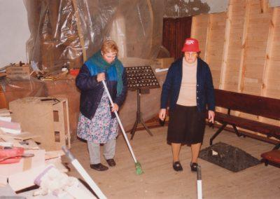 Marina y Antonia en 1994.